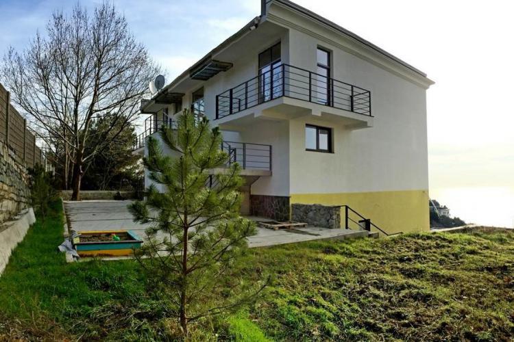 Жилой дом в Ялте, ул. Войкого