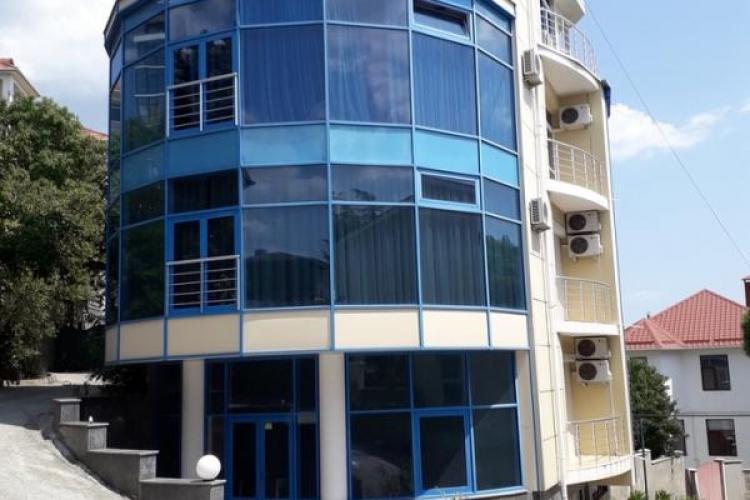 Клубный дом на 5 квартир в Массандре