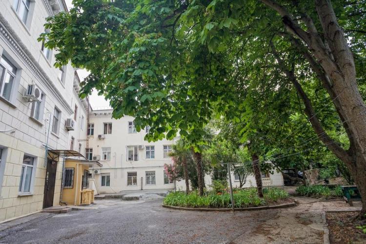 3 комнатная квартира в Ялте, ул.Карла Маркса